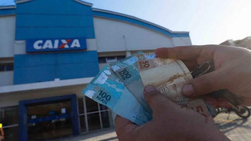 Caixa inicia pagamentos do auxílio emergencial nesta terça-feira