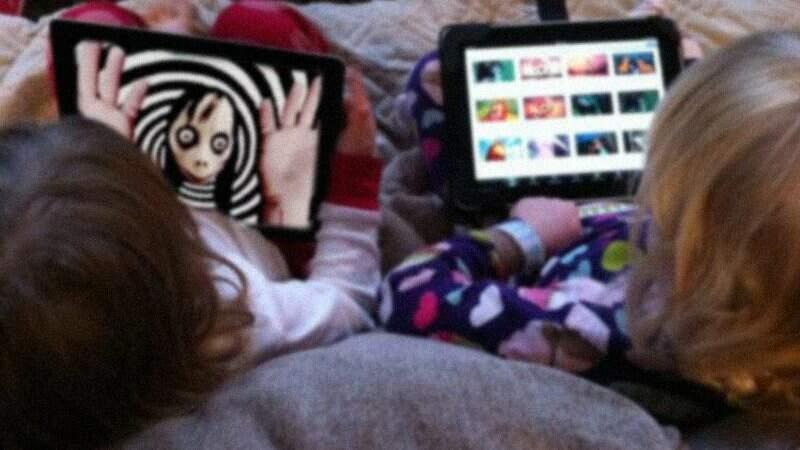 Filhos não devem ver a nudez dos pais - YouTube