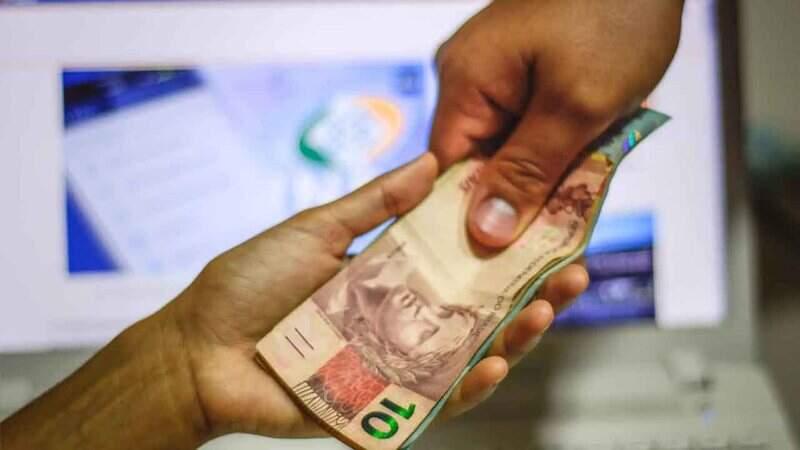 1ª parcela do 13º salário do INSS começa a ser pago a partir do dia 25 de maio
