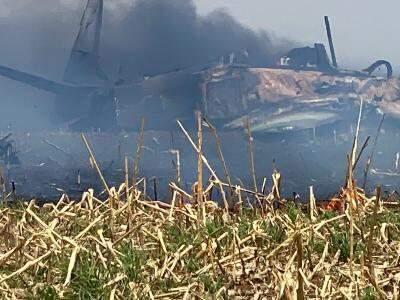 Destroços de avião militar que caiu em Campo Grande
