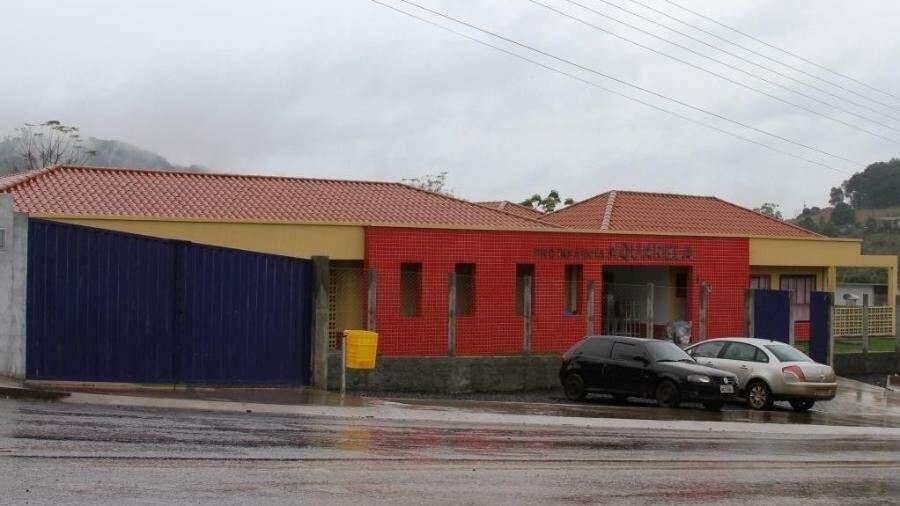 Jovem invade creche em Santa Catarina e mata duas crianças com golpes de facão