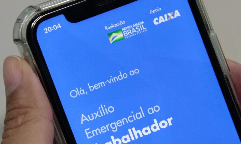 Auxílio emergencial: Benefício já está disponível nas contas, mas saques somente em maio