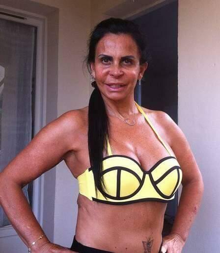 Aos 56 anos, Gretchen admite que já gastou mais de R$ 500 mil em plásticas
