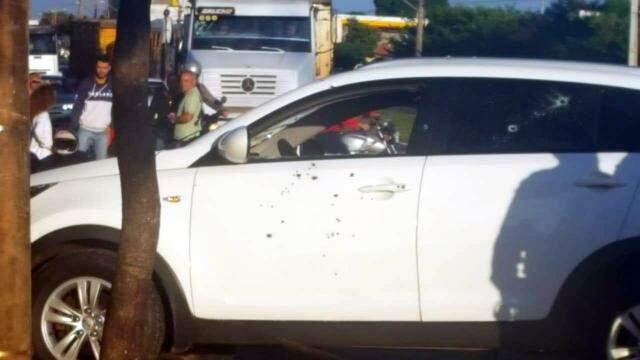 Motorista é executado a tiros fuzil enquanto dirigia na Avenida ...