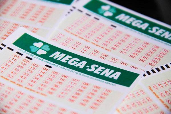 Mega-Sena pode pagar R$2,5 milhões neste sábado