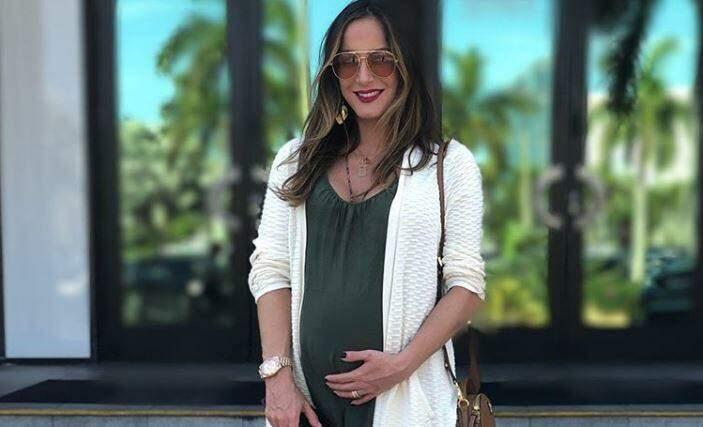 Claudia Leitte revela que a filha Bela não nascerá no Brasil