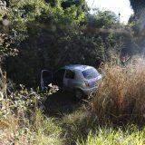 Ao desviar de carro, motorista perde controle e acerta árvore no Parque dos Poderes