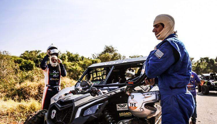 Pilotos começam a largada no Rally dos Sertões em Campo Grande