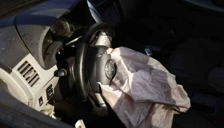 Jovem de 18 anos perde o controle da direção e capota carro na Avenida Ceará