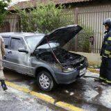 Carro pega fogo e fica destruído em Campo Grande