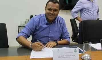 Sanesul designa servidora sem formação para substituir férias de diretor