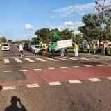 protesto, Avenida Duque de Caxias, CMO, Comando Militar do Oeste, intervenção militar, Jair Bolsonaro, Dia do Exército, dezenas de pessoas, 19 de abril de 2020