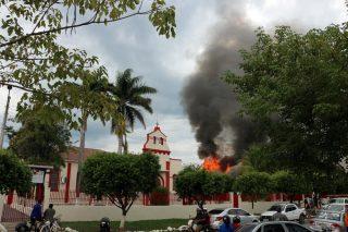 Fogo foi ao lado de igreja em Porto Murtinho