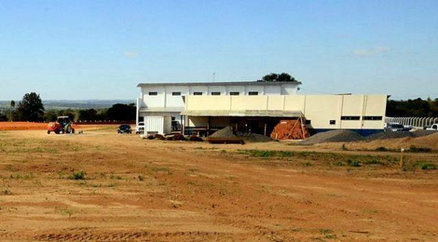 Concessão do frigorífico municipal de Caracol deve contar com R$ 20 milhões em verbas particulares e R$ 1,8 milhão em recursos públicos.
