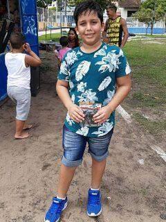 No Pará, criança morre por descarga elétrica enquanto usava celular carregando