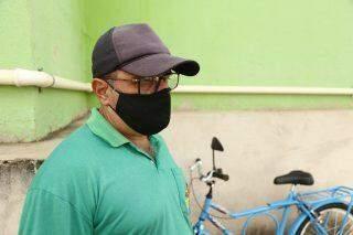 Para fugir do ônibus lotado em Campo Grande, Walmir comprou bicicleta e pedala 24 km por dia