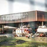 Risco de desabamento: Bombeiros já usaram mais de 365 mil litros de água no Atacadão