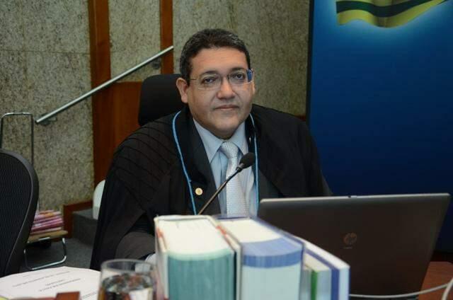 Bolsonaro escolhe desembargador federal para vaga aberta no STF