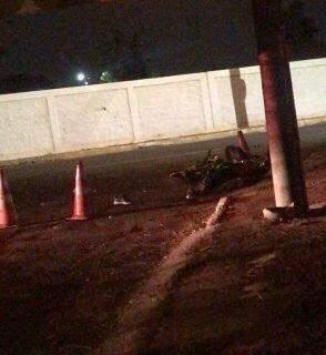 Motociclista morre em colisão com carro em frente ao cemitério Santo Amaro