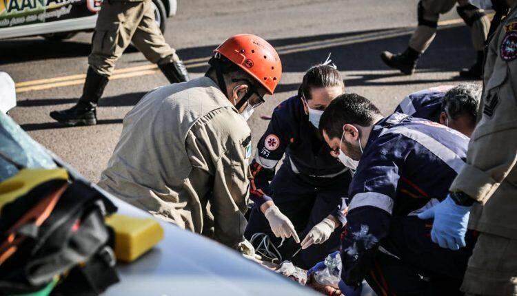 Motociclista morre após acidente com carro e motorista foge em Campo Grande