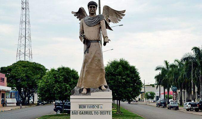 Prefeitura de São Gabriel do Oeste baixou medidas no mesmo dia em que registrou mais 2 mortes causadas pela Covid-19.