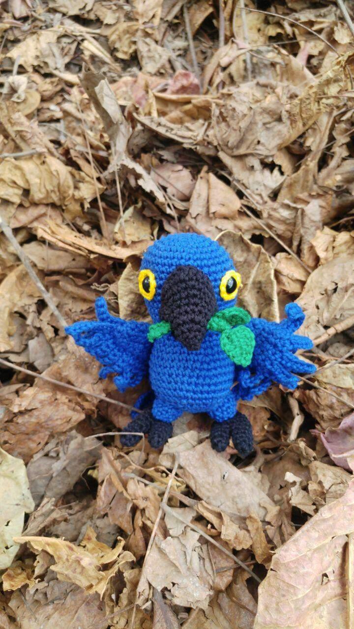 Projeto faz bonecos de crochê da fauna pantaneira para ajudar no combate aos incêndios no Pantanal