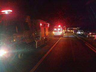 Acidente entre motos e caminhão deixa um morto na BR-060 em Campo Grande