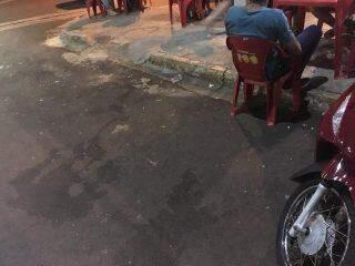 'Se fossem cinco homens ele não tentava atropelar', diz mulher agredida em conveniência de Campo Grande