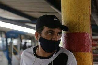 Passageiros enfrentam coronavírus com lotação nos ônibus em Campo Grande