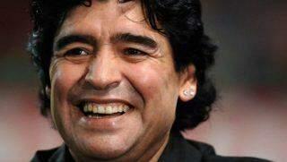 Diego Maradona morre aos 60 anos, após parada cardiorrespiratória.