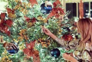 Melania Trump revela decoração do último Natal da família Trump na Casa Branca