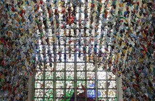 20.000 pássaros de papel ajudam a financiar unidades COVID-19 no hospital da Bélgica