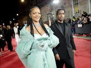 Rihanna está namorando o rapper A$AP Rocky, diz revista