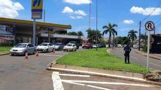 Motorista capota Pampa na Avenida Zahran e parte da via fica interditada