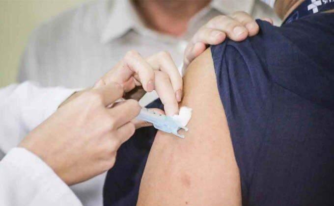 vacina COvid-19 reação