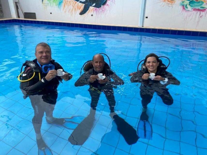 Há 26 anos, ex-militar é guia das belezas subaquáticas de Bonito